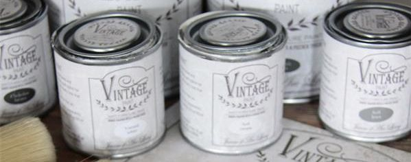 vintage paint by Jeanne d´arc living