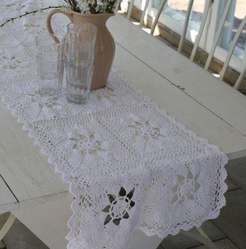 Hæklet-bordløber-i-hvid-4