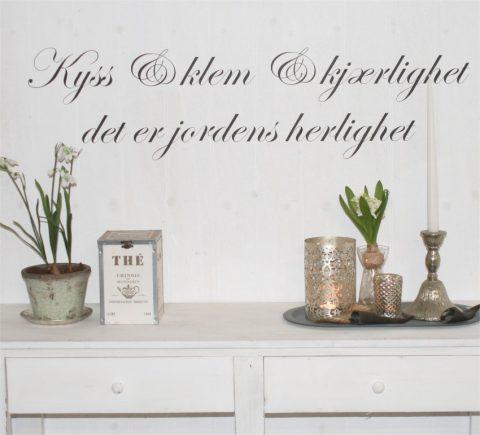 Kyss-klem-kjærlighet-norsk-wallsticker