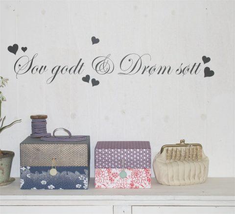Sov-godt-og-drøm-søtt-med-hjerter