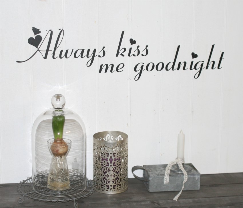 Always kiss me goodnight wallsticker med hjerter