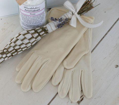 gamle-handsker-i-creme