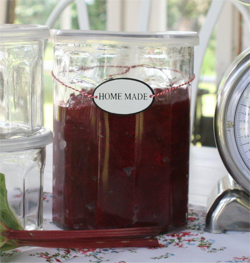 Stor marmeladeglas med plast låg