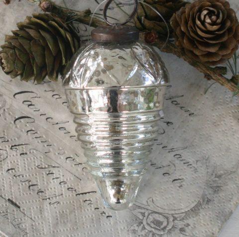 Julekugle i sølv, dråbeformet