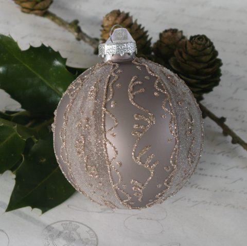 Julekugle med glimmer i antique mocca