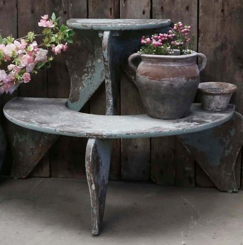 Blomstertrappe med patina