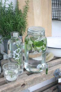 Vand med smag - 4 lækre opskrifter