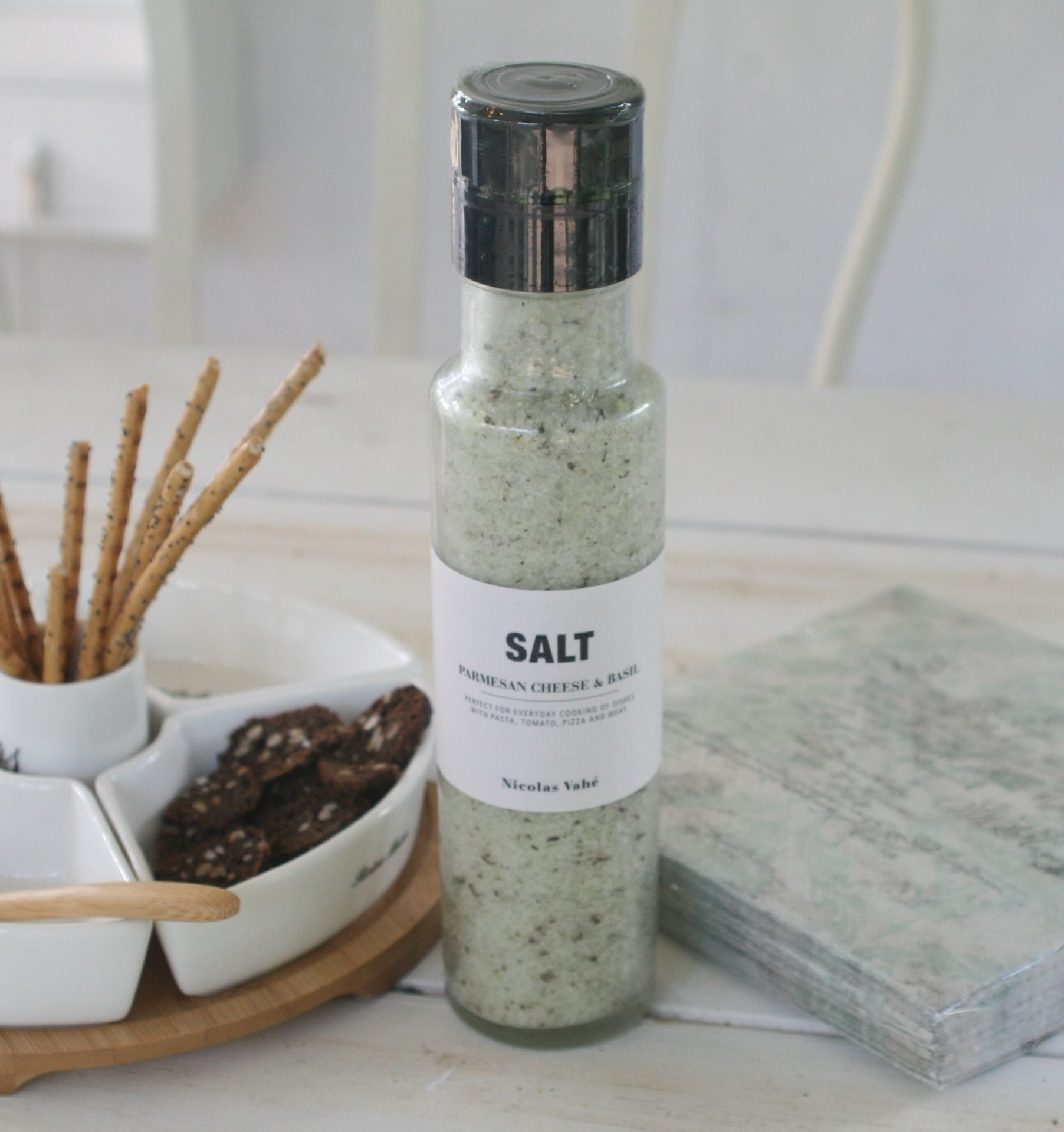 Salt med parmesan og basilikum