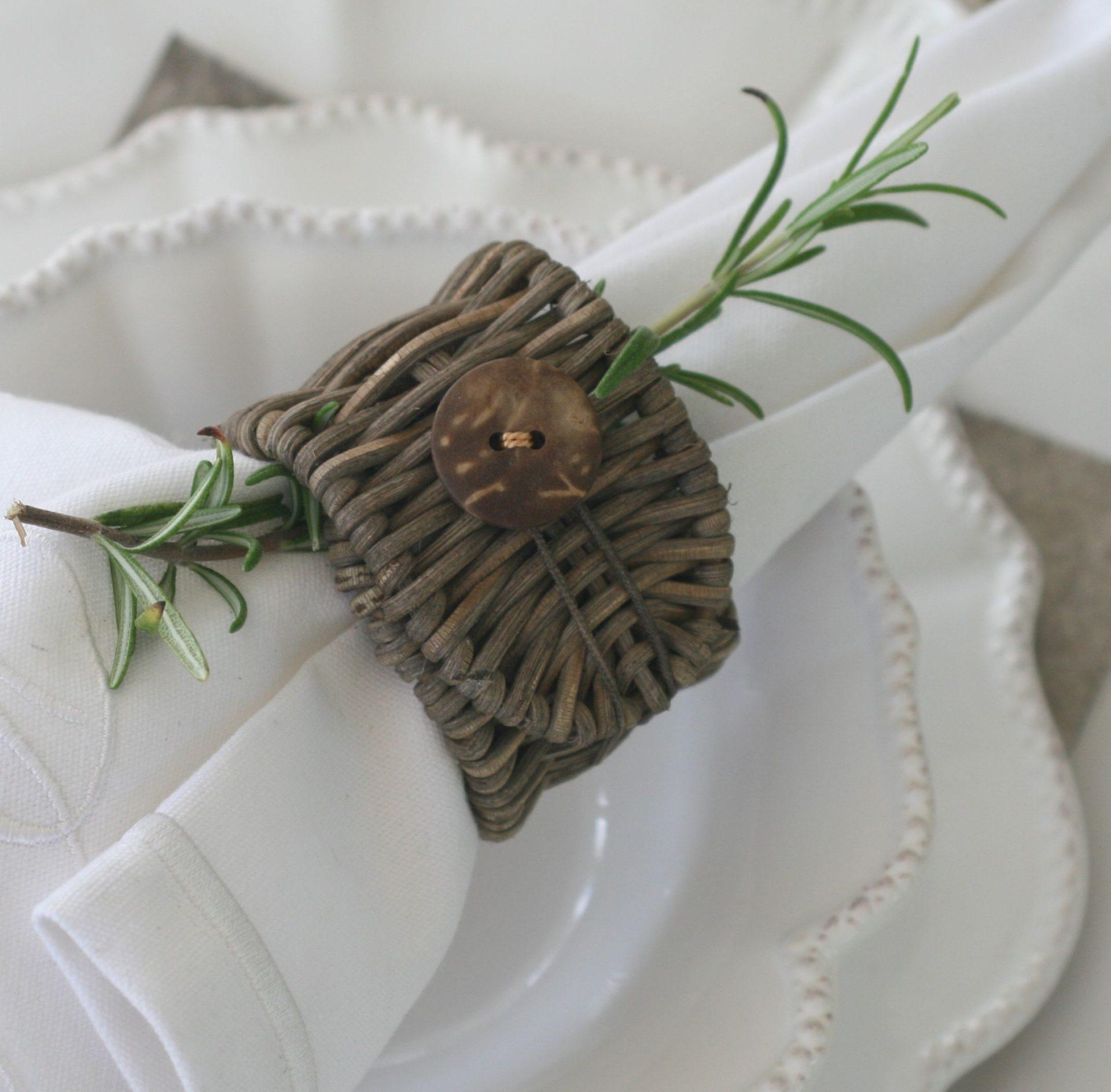 Rustik servietring i flet og knap
