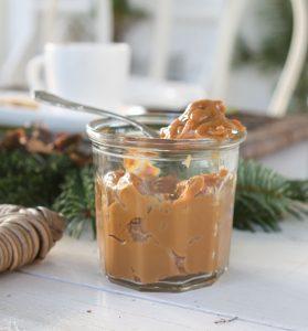 Karamel - Hjemmelavet karamel af kondenseret mælk