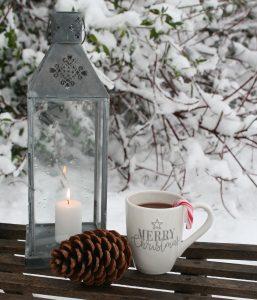 Varm kakao med slikstokke