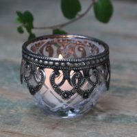 Fyrfadsstage m. sølv deko, glas