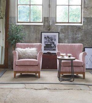 Lænestol - East Village Armchair Velvet Pink - BESTILLINGSVARER