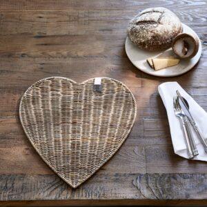 Dækkeserviet - Rustic Rattan Heart Placemat