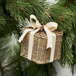 Pakke - Rustic Rattan Christmas Present M