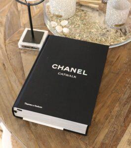 Bog - Chanel Catwalk