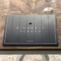 Dækkeserviet - Dinner Is Served Placemat